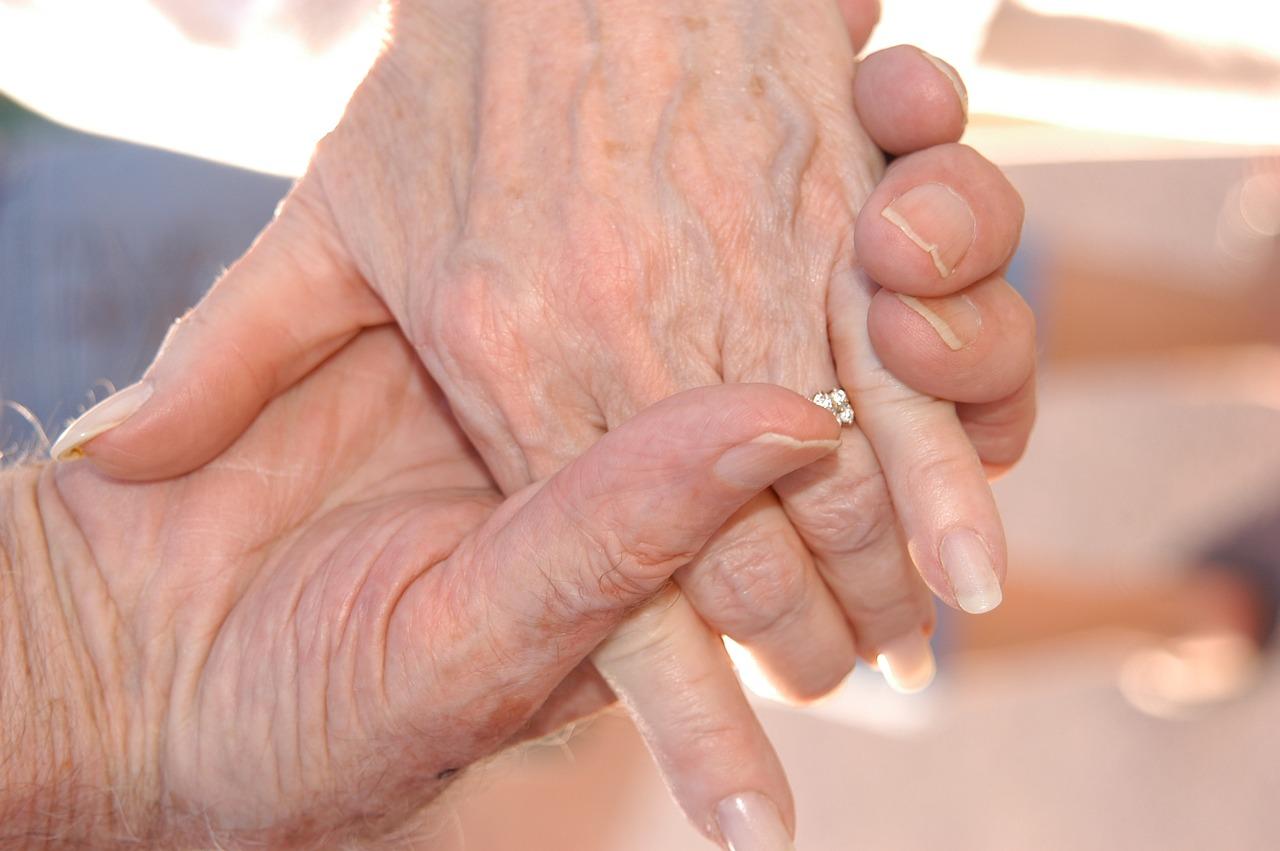 L'ART THERAPIE POUR LES SENIORS : une ressource face au vieillissement !!