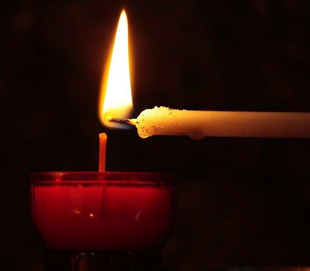 Cheminer après une perte par un rituel créatif de deuil